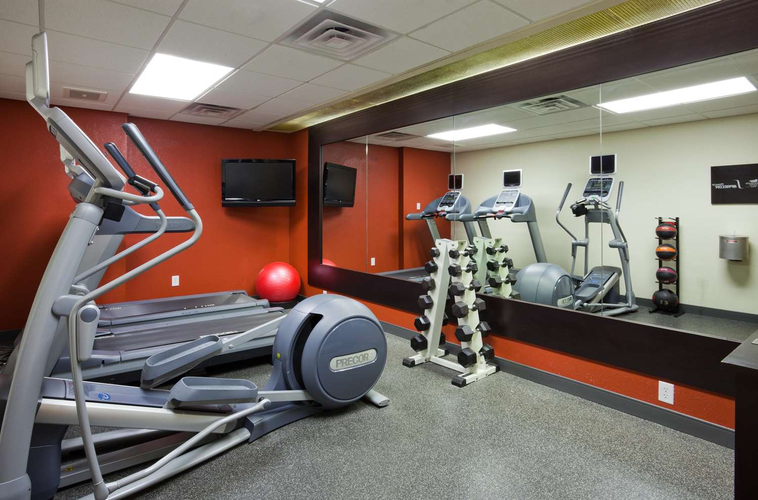 Fitness/ Exercise Room - Homewood Suites by Hilton Sioux Falls