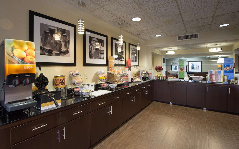 Restaurant - Hampton Inn Gainesville