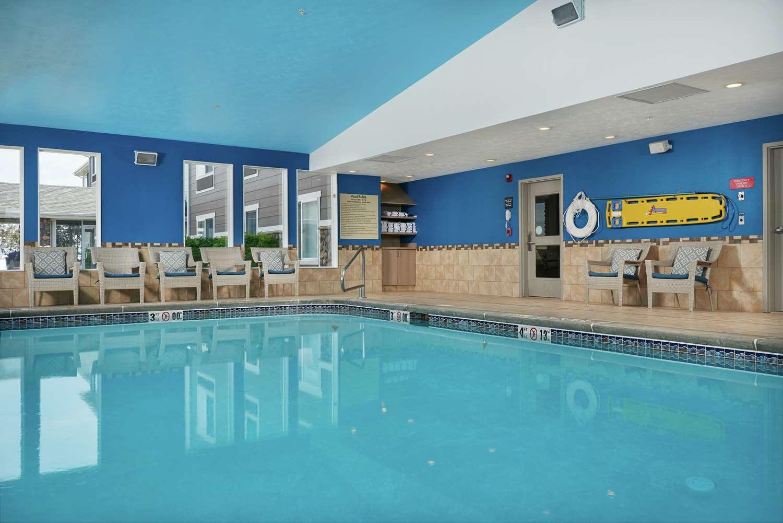 Pool - Hampton Inn Helena