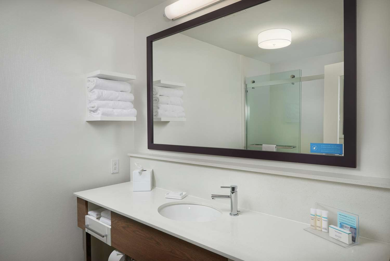 Room - Hampton Inn Helena