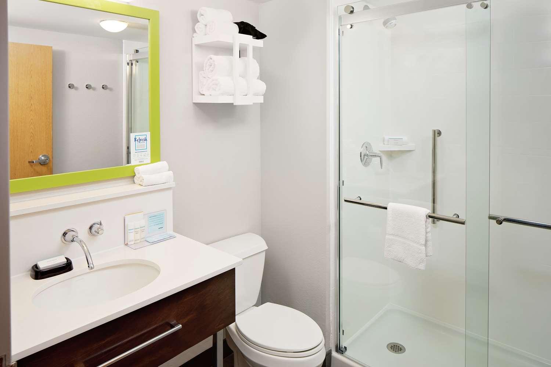 Room - Hampton Inn & Suites Medical Center Houston