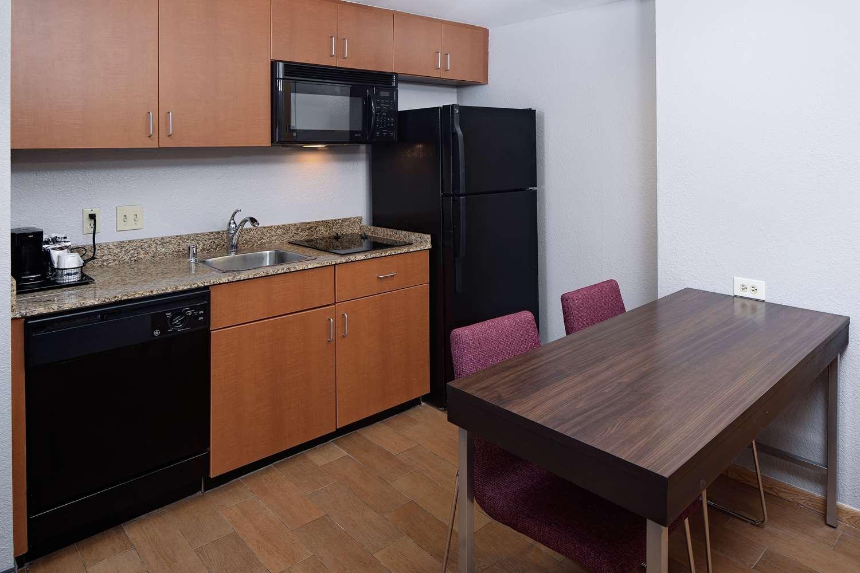 Amenities - Hampton Inn & Suites Medical Center Houston