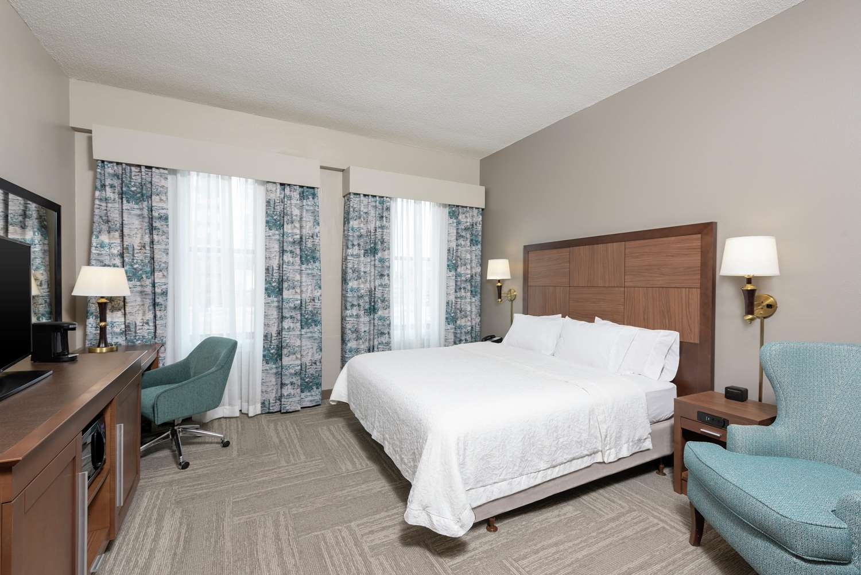 Room - Hampton Inn Downtown Indianapolis