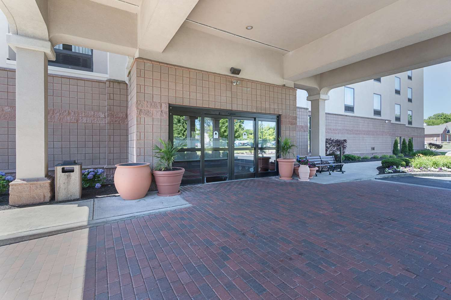 Exterior view - Hampton Inn & Suites Brownsburg