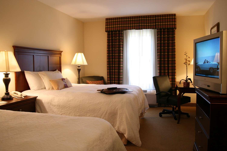 Room - Hampton Inn & Suites Dobson