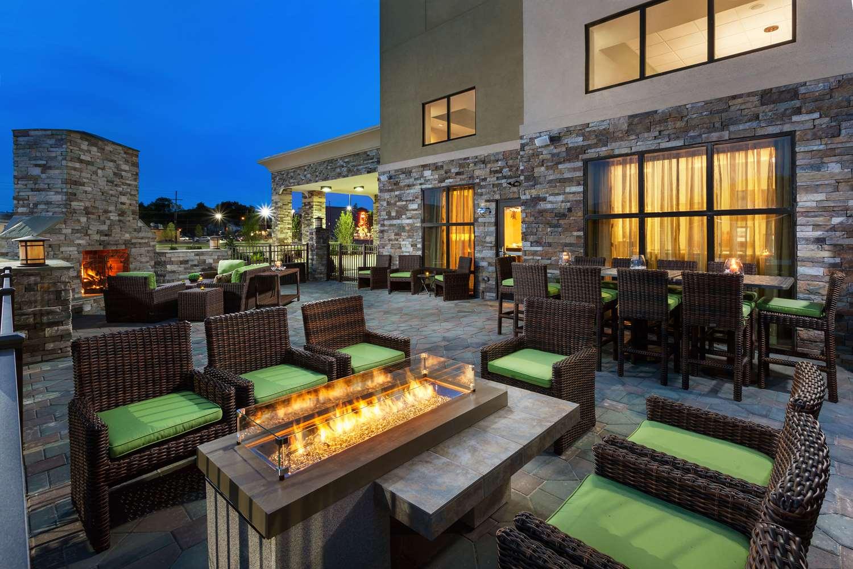 Exterior view - Hampton Inn & Suites Williamsport