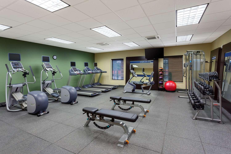 Fitness/ Exercise Room - Hampton Inn & Suites Williamsport