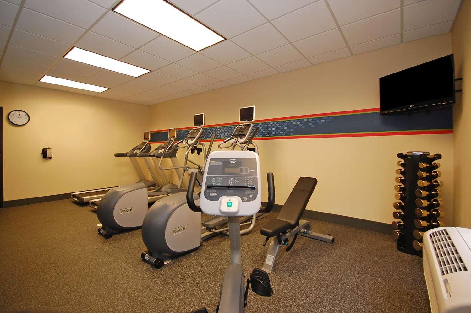 Fitness/ Exercise Room - Hampton Inn Flowood