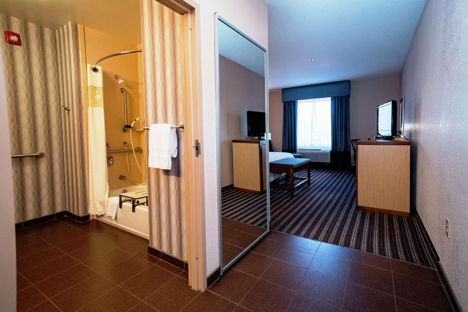 Room - Hampton Inn Flowood