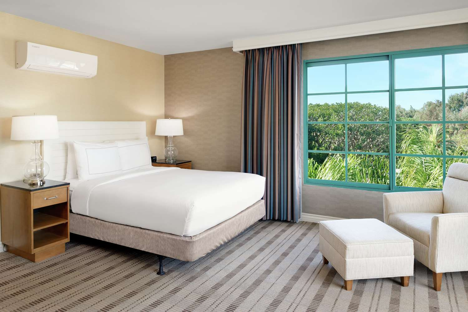 Room - DoubleTree by Hilton Hotel San Pedro