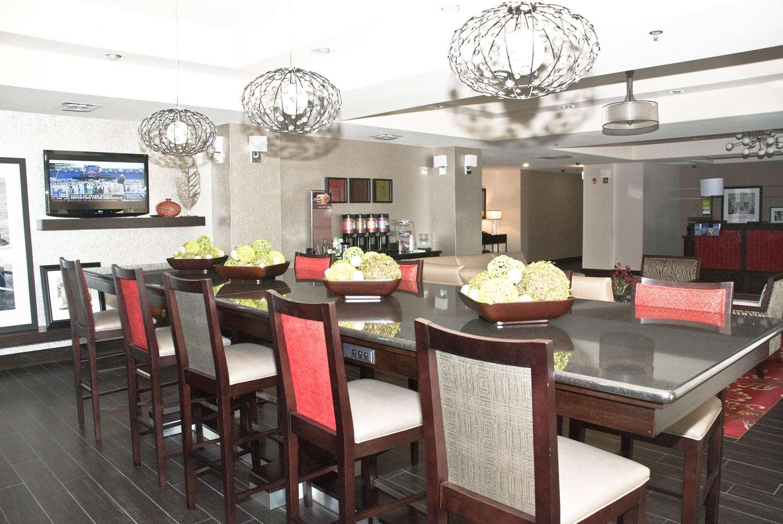 Restaurant - Hampton Inn Maumelle