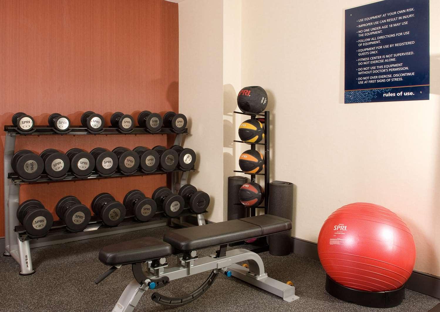 Fitness/ Exercise Room - Hampton Inn South of Universal Studios Orlando