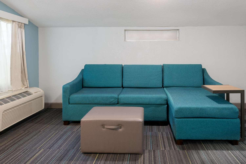 Room - Hampton Inn South of Universal Studios Orlando