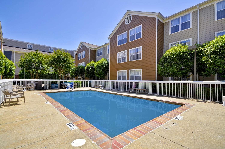 Pool - Homewood Suites by Hilton Germantown