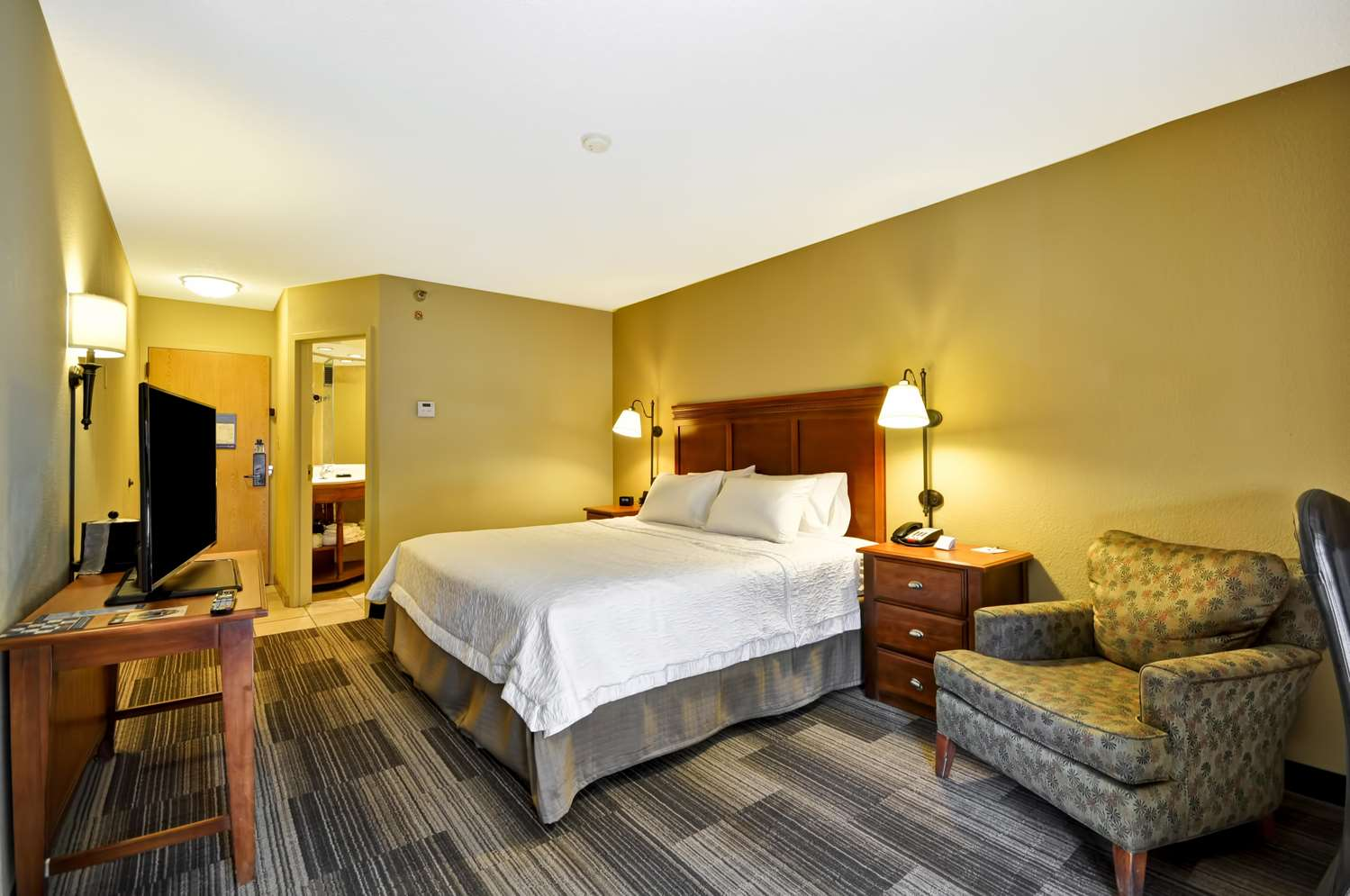 Room - Hampton Inn Poplar Avenue Memphis
