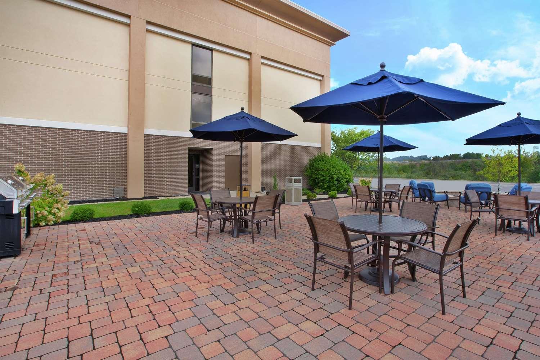 Exterior view - Hampton Inn Marietta