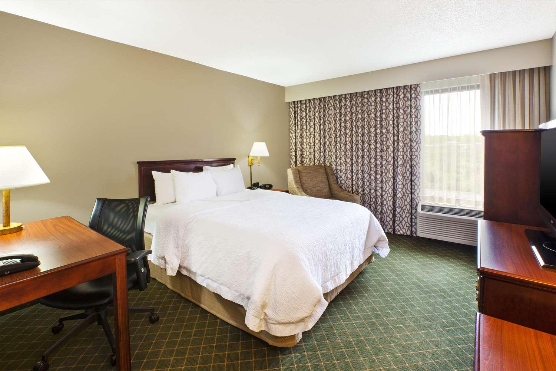 Room - Hampton Inn Marietta