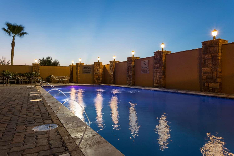 Pool - Hampton Inn & Suites Mission
