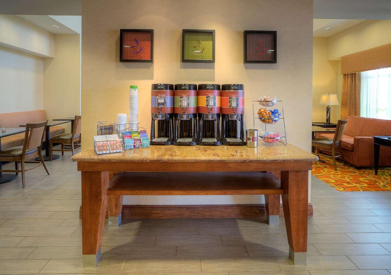 Restaurant - Hampton Inn & Suites McAllen