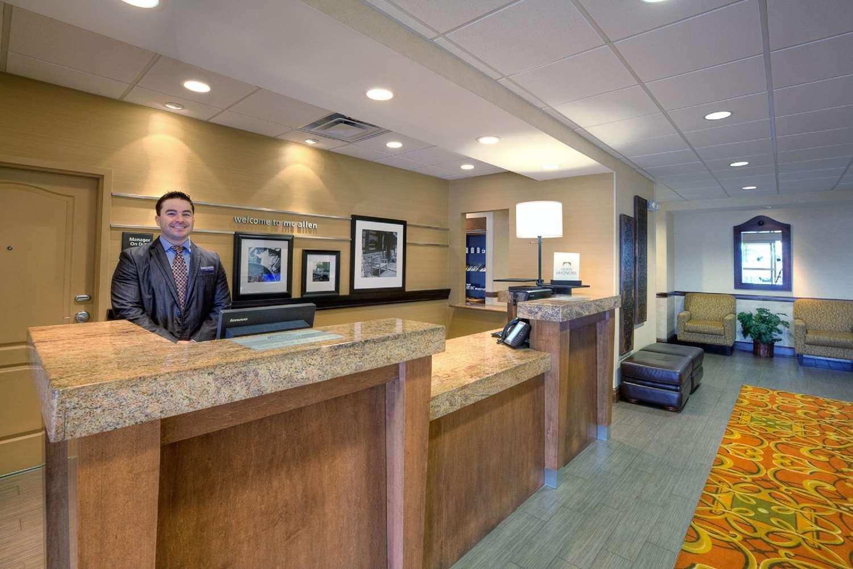 Lobby - Hampton Inn & Suites McAllen