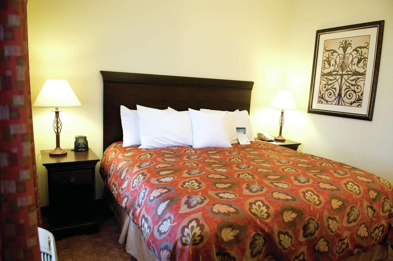Room - Homewood Suites by Hilton McAllen