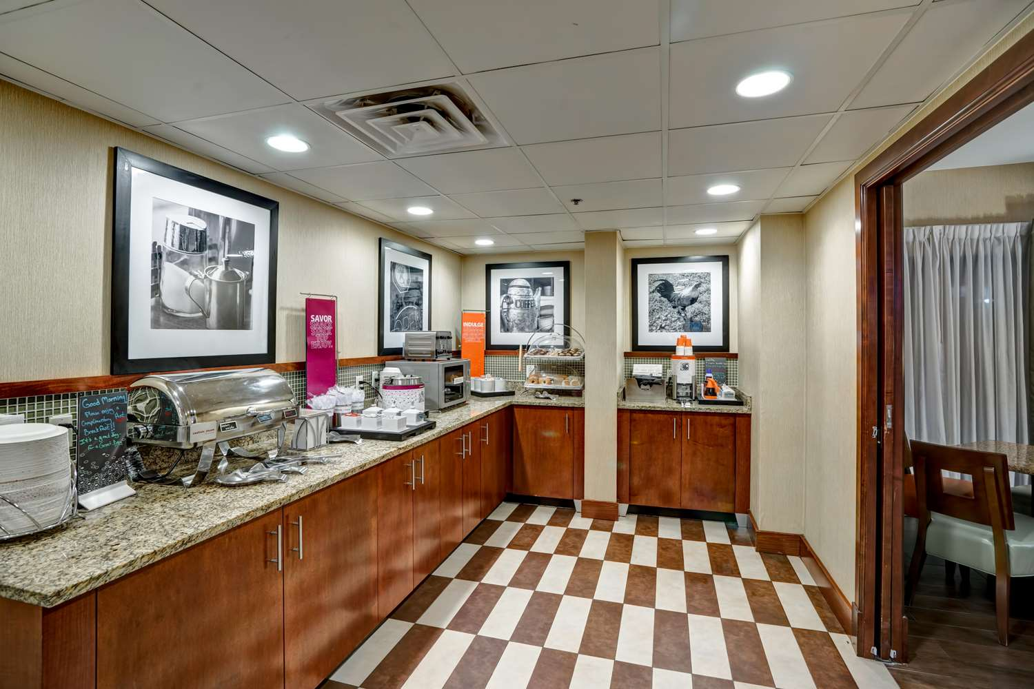 Restaurant - Hampton Inn Morgantown