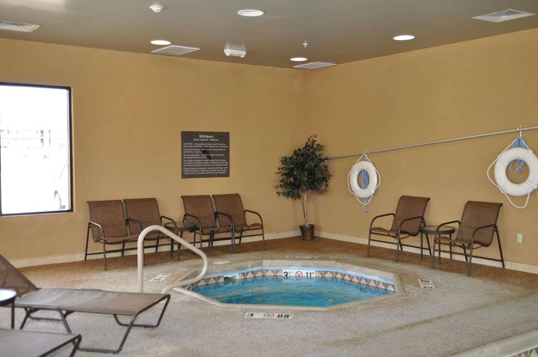 Pool - Hampton Inn Junction City