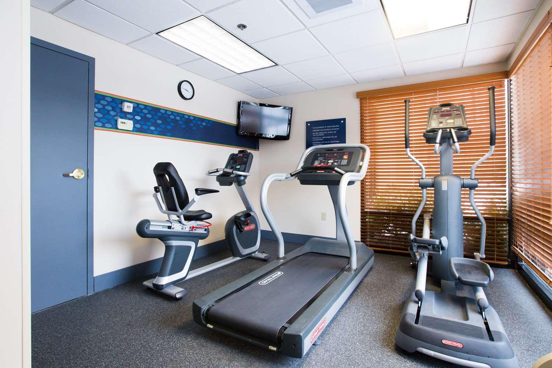 Fitness/ Exercise Room - Hampton Inn Manheim