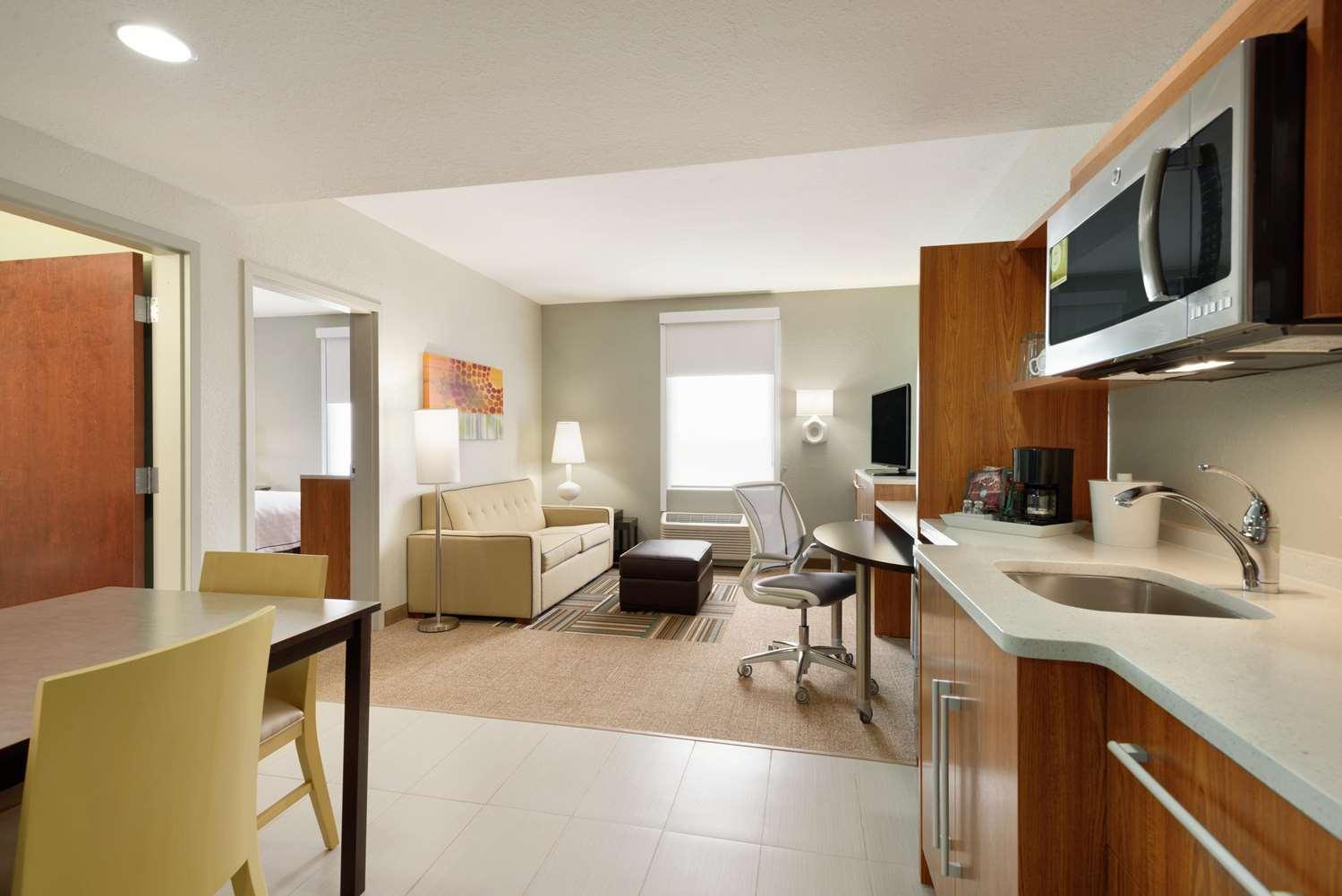 Room - Home2 Suites Florida City