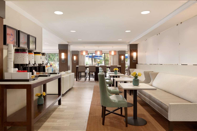 Restaurant - Hampton Inn Airport Doral
