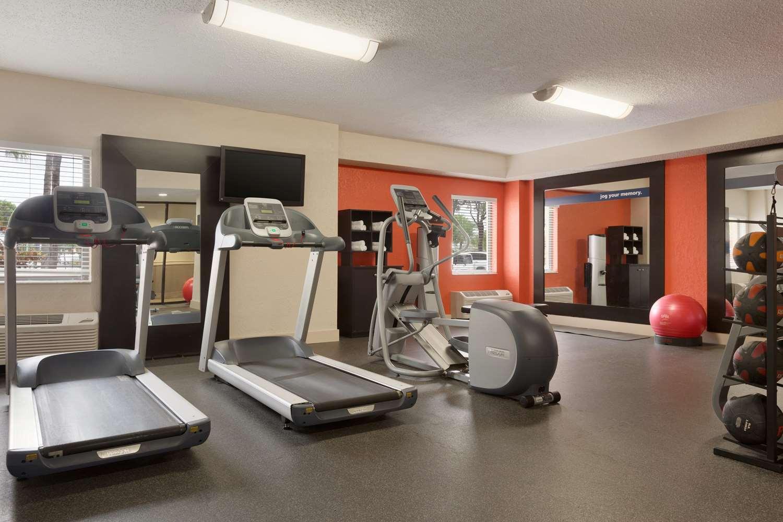 Fitness/ Exercise Room - Hampton Inn Airport Doral