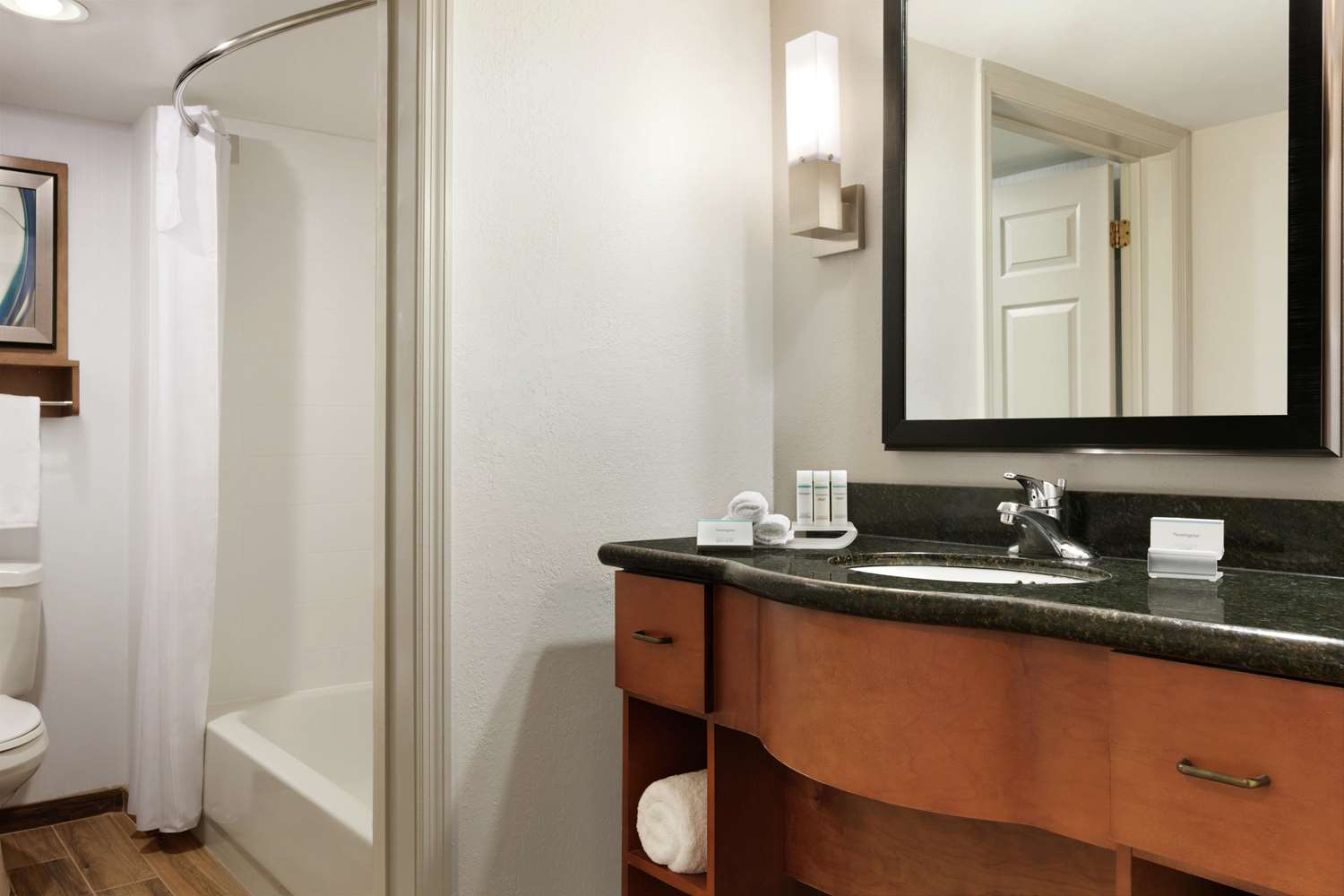 Room - Homewood Suites by Hilton Airport Kansas City