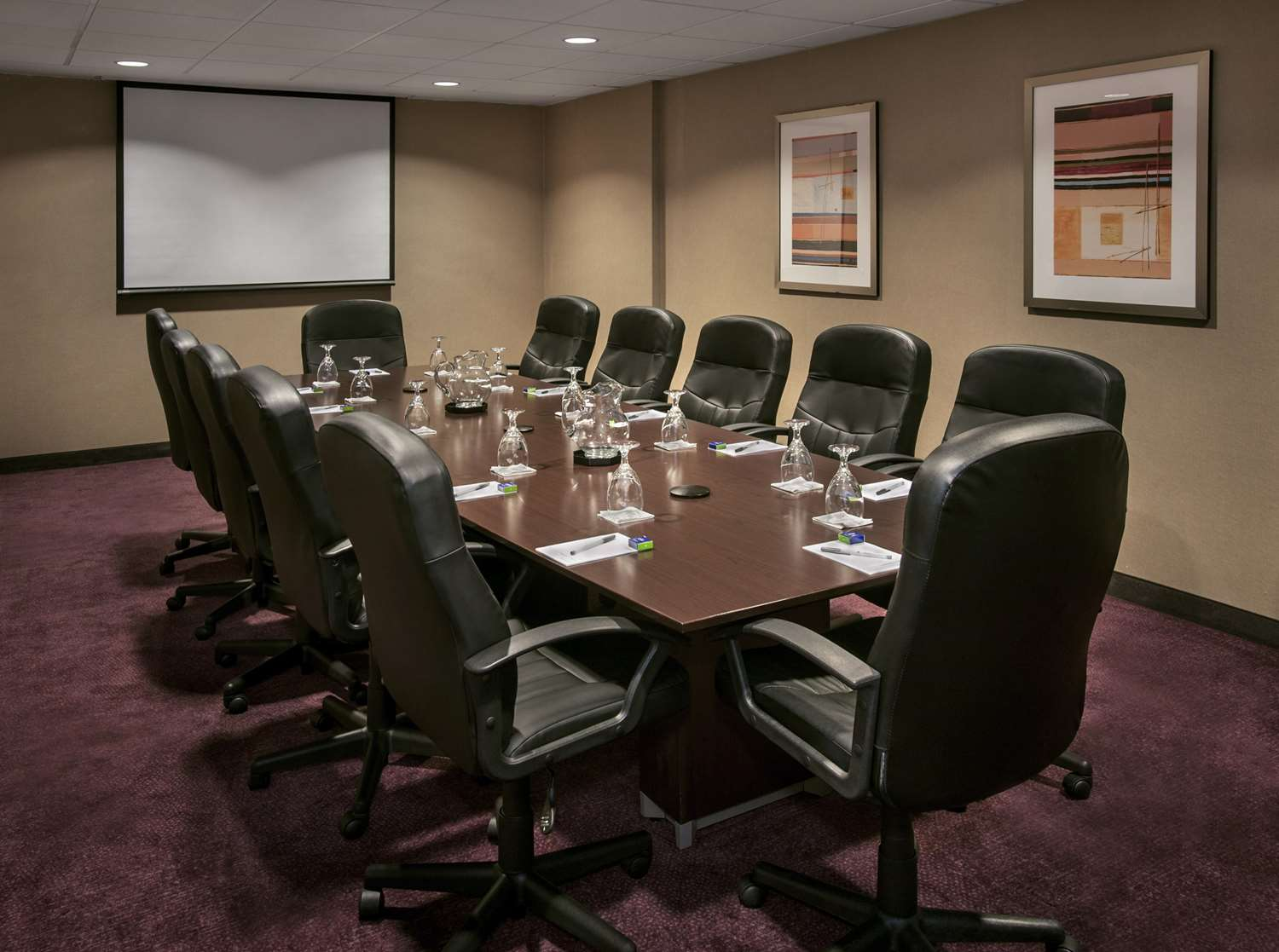 Meeting Facilities - Hampton Inn & Suites Downtown Milwaukee