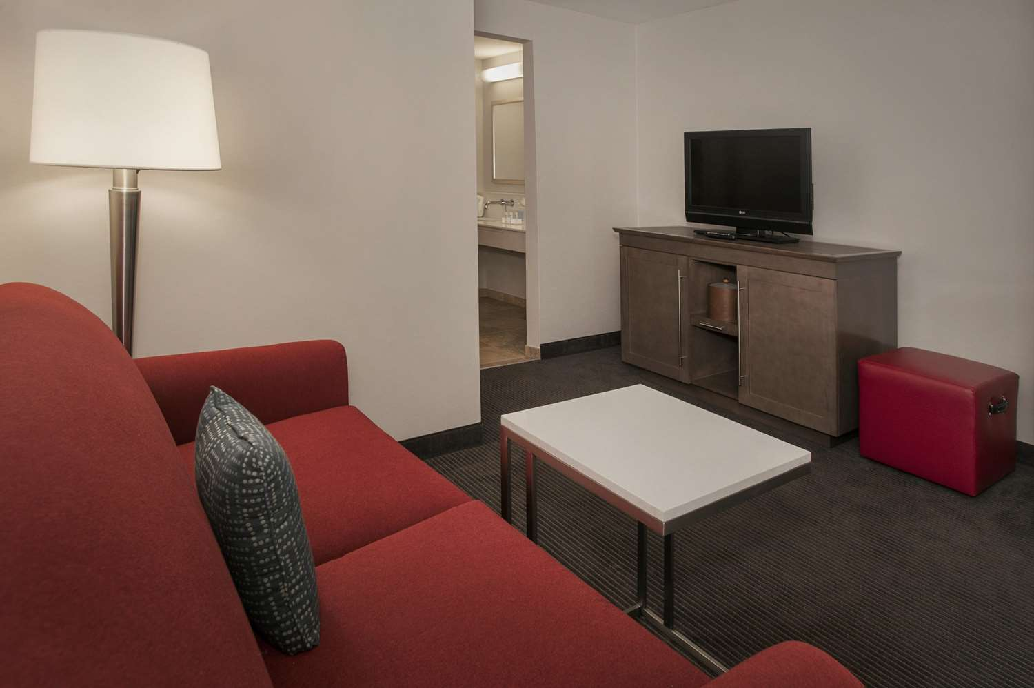 Room - Hampton Inn & Suites Downtown Milwaukee