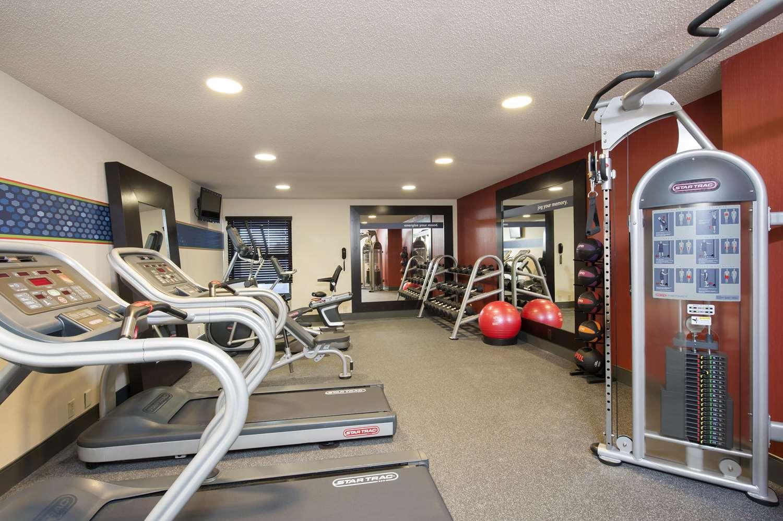 Fitness/ Exercise Room - Hampton Inn Muskegon