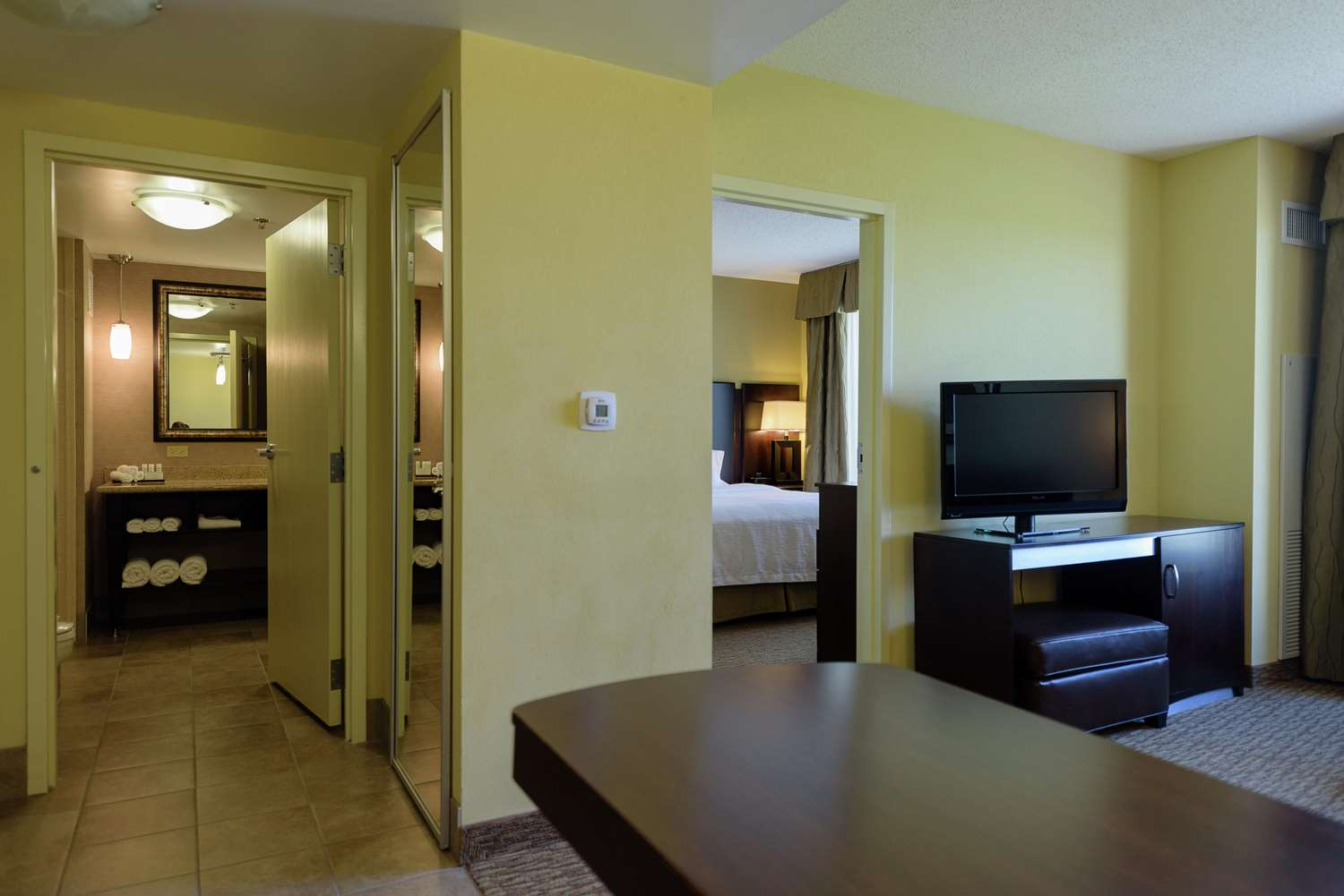 Room - Embassy Suites Brooklyn Center