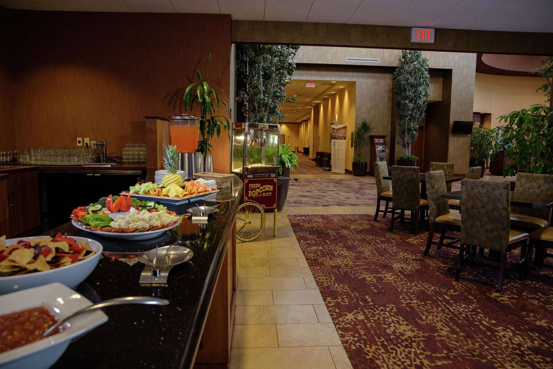 Restaurant - Embassy Suites Brooklyn Center