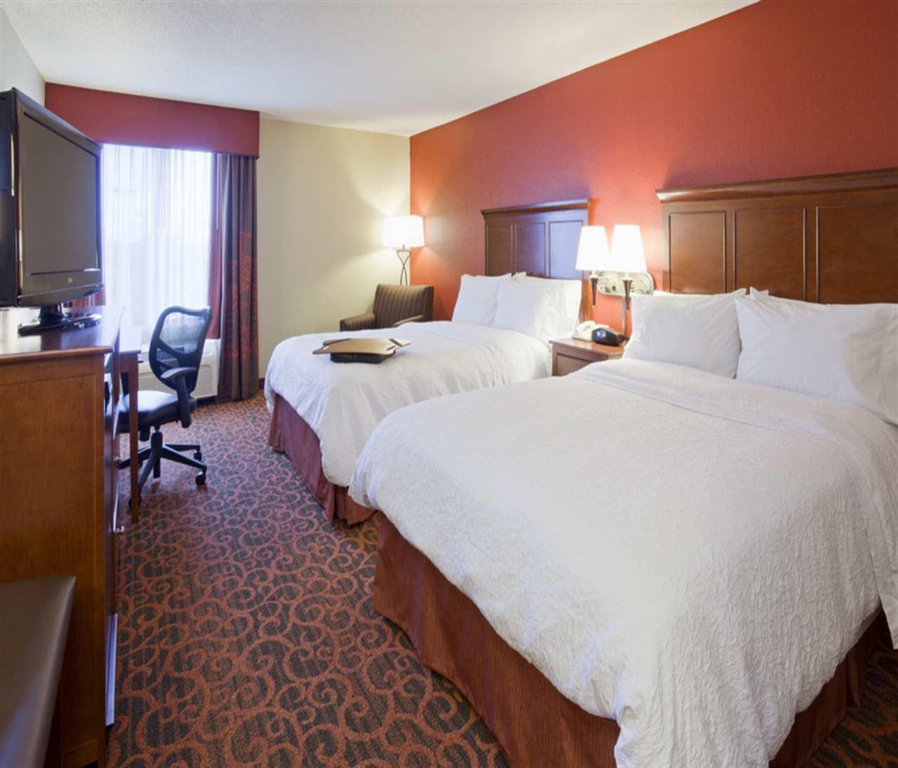 Room - Hampton Inn Maple Grove