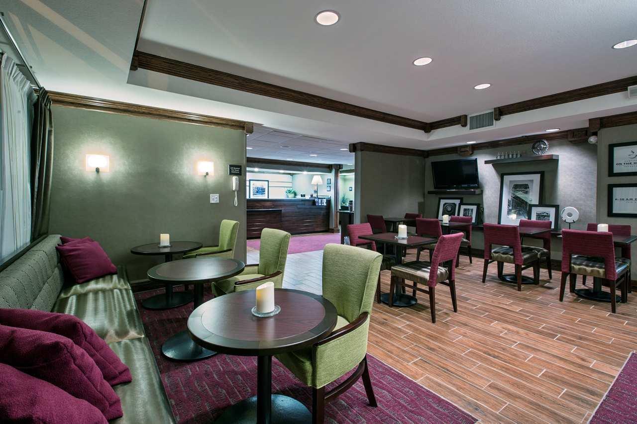 Lobby - Hampton Inn Mattoon
