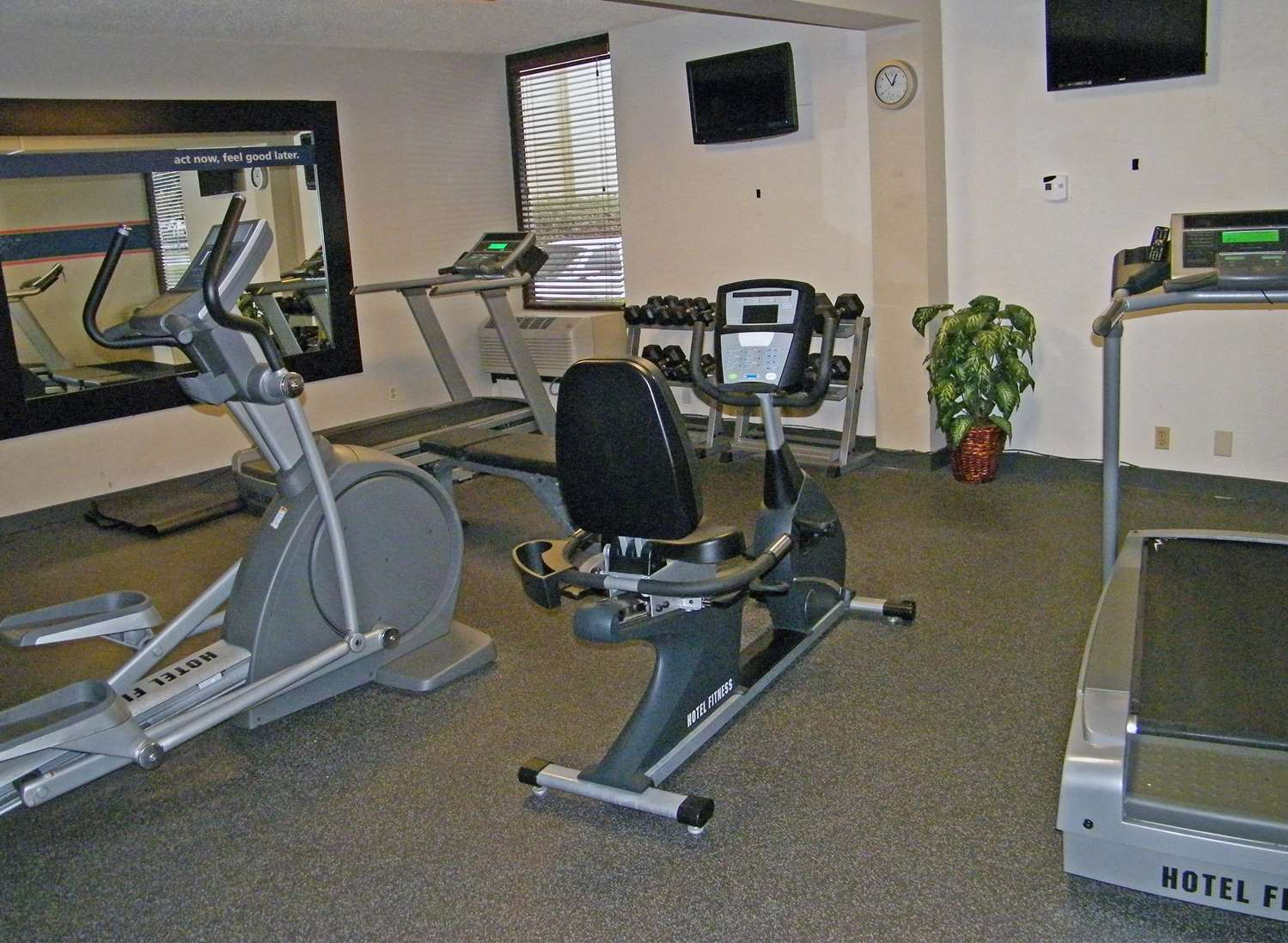 Fitness/ Exercise Room - Hampton Inn Chesapeake