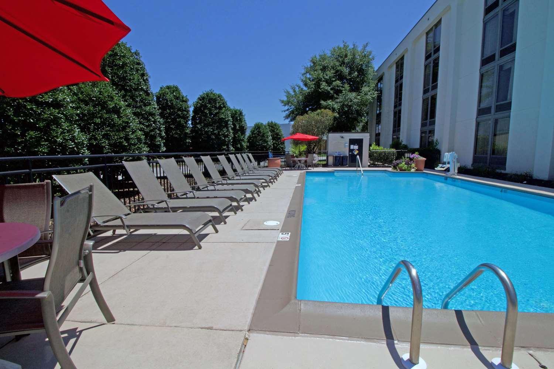 Pool - Hampton Inn Chesapeake