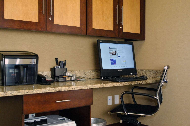 Conference Area - Hampton Inn & Suites Bensalem