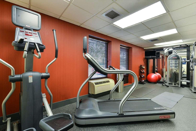 Fitness/ Exercise Room - Hampton Inn & Suites Oaks