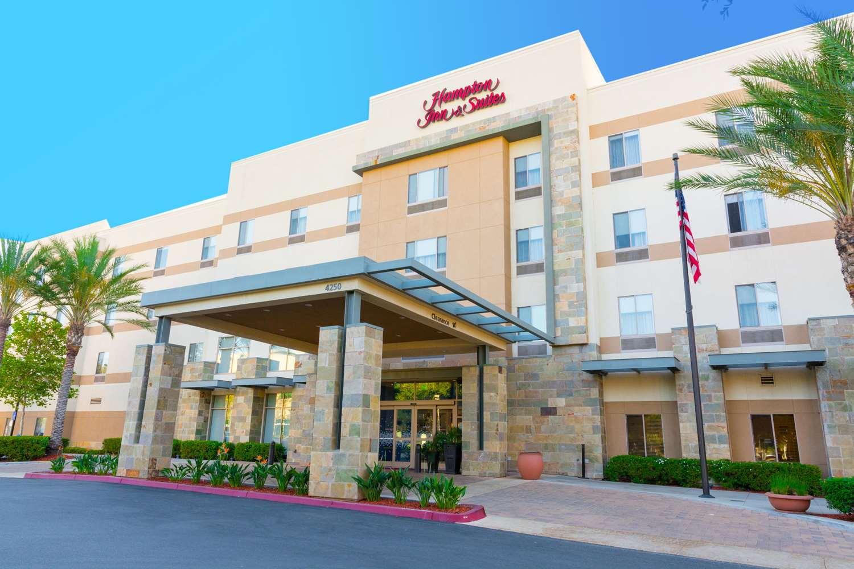Hampton Inn - Suites Riverside-Corona East