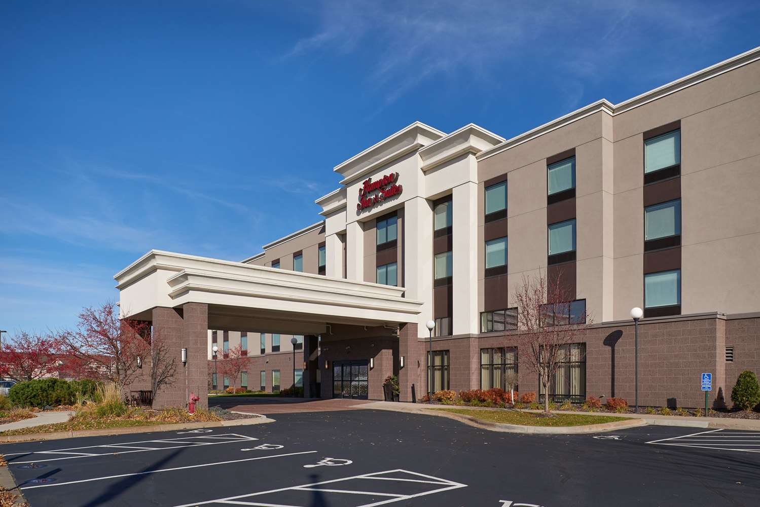 Exterior view - Hampton Inn & Suites Rogers