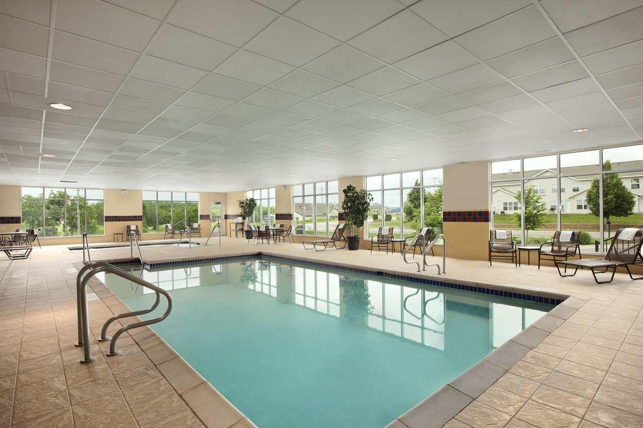 Pool - Hampton Inn & Suites Rochester