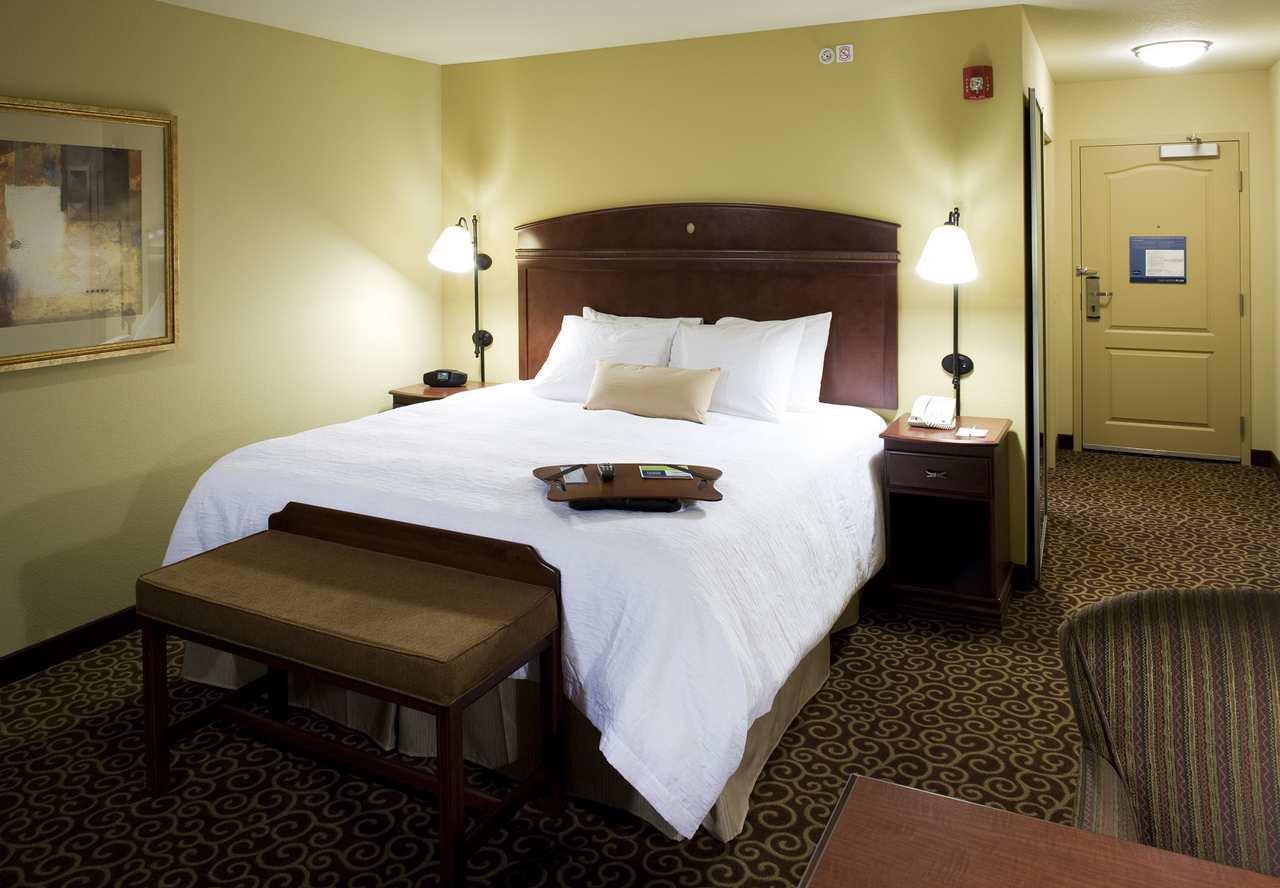 Room - Hampton Inn & Suites Rochester