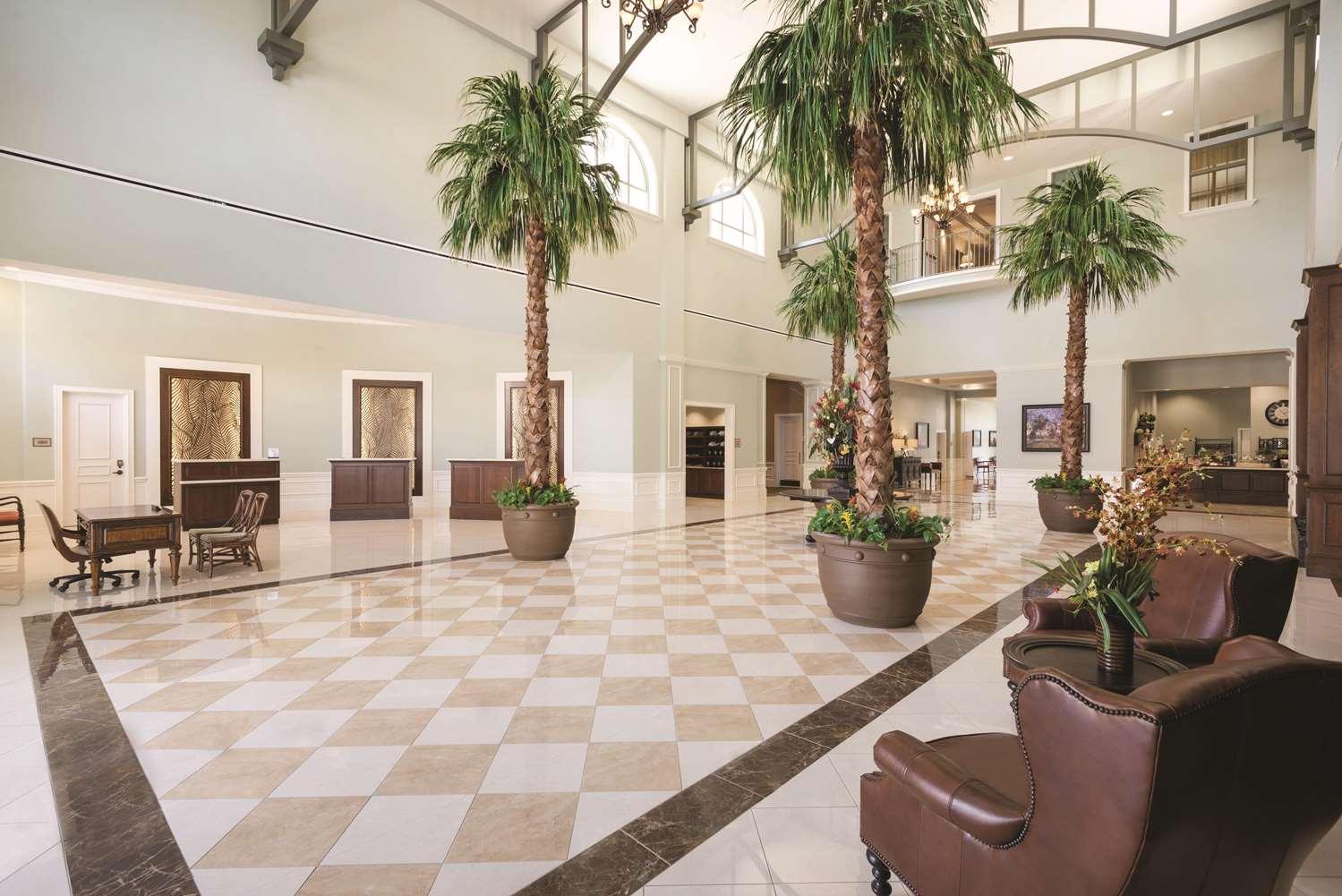 Lobby - Embassy Suites Savannah