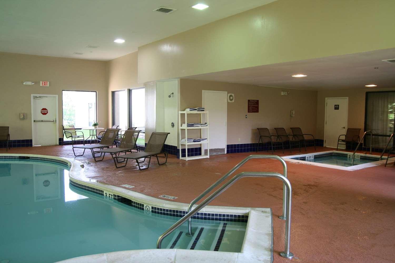 Pool - Hampton Inn Shamokin Dam
