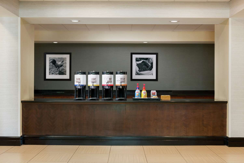 Lobby - Hampton Inn & Suites National Harbor